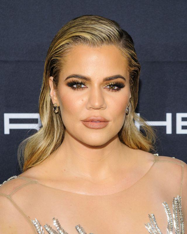Kurier podał w restauracji Khloe Kardashian żel do nawilżania pochwy