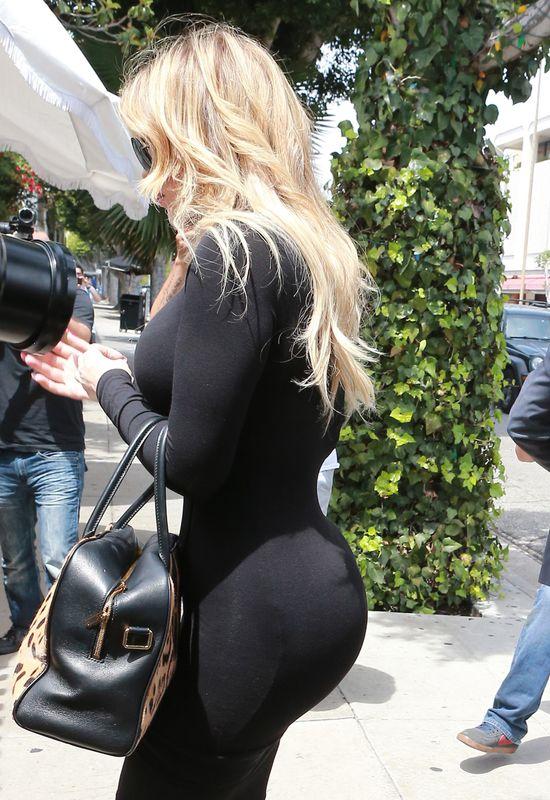 Khloe Kardashian ma garderobę tylko na... (FOTO)