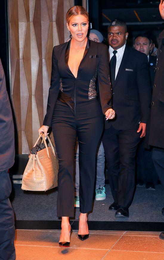 W jakim wieku Khloe Kardashian straci�a cnot�?
