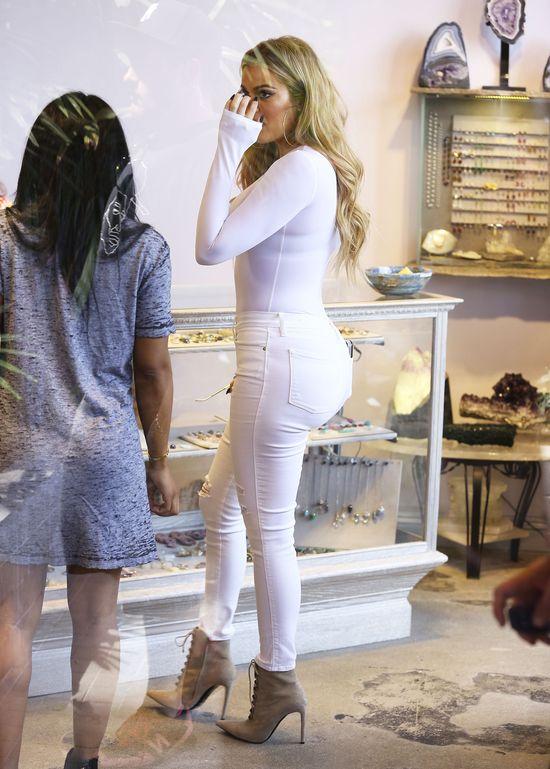 Khloe Kardashian żałuje powiększenia pośladków? (FOTO)