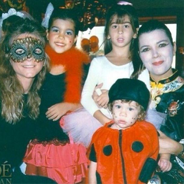 Kto z klanu Kardashianów pochwalił się fotką w wannie? FOTO