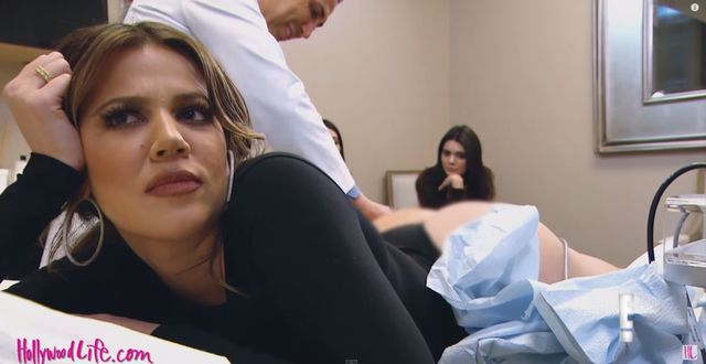 Khloe Kardashian pokazała, jak usuwa cellulit (VIDEO)