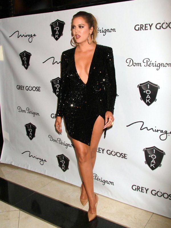 Ile cm w talii mierzy Khloe Kardashian? (FOTO)