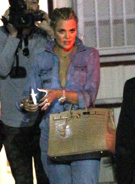 Khloe Kardashian w rozbieranej sesji!