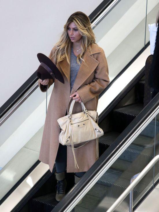 Kim Kardashian chcia�a wysy�a� z Pary�a mleko dla Nori