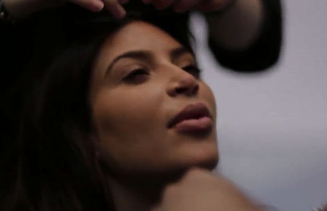 Backstage z sesji ciężarnej Kim Kardashian! (VIDEO)