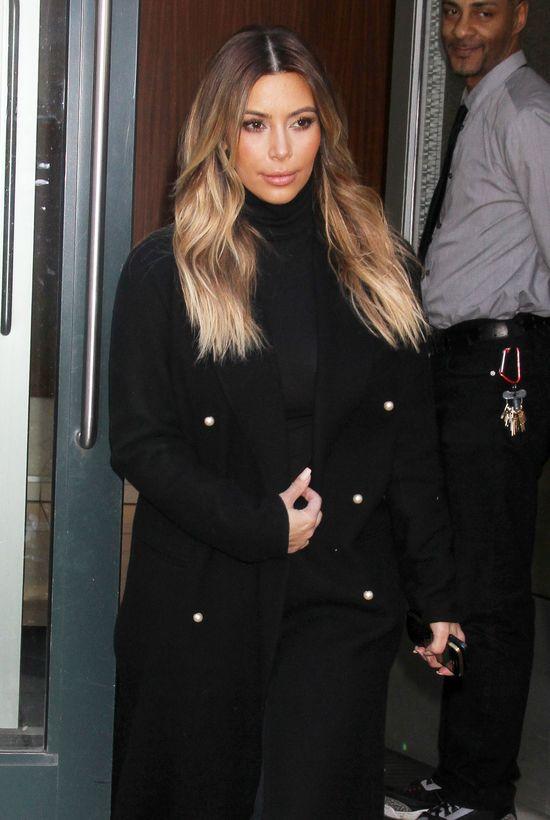 Kim Kardashian robi makijaż przez 3 godziny! (VIDEO)