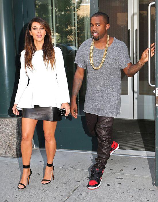 Kanye West manipuluje Kim Kardashian