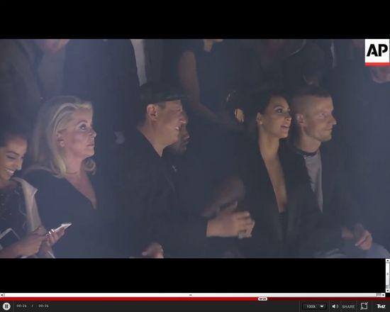 WYBUCZELI Kim i Kanye na pokazie Lanvin w Paryżu [VIDEO]