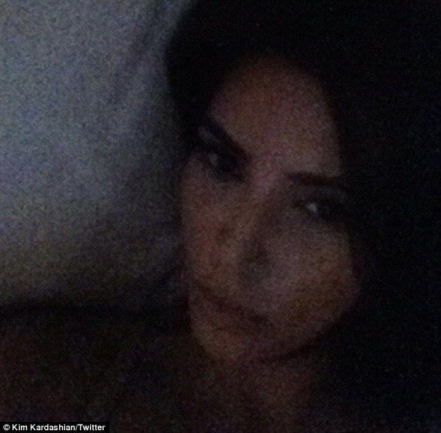 Kim Kardashian chwali się pupą (FOTO)