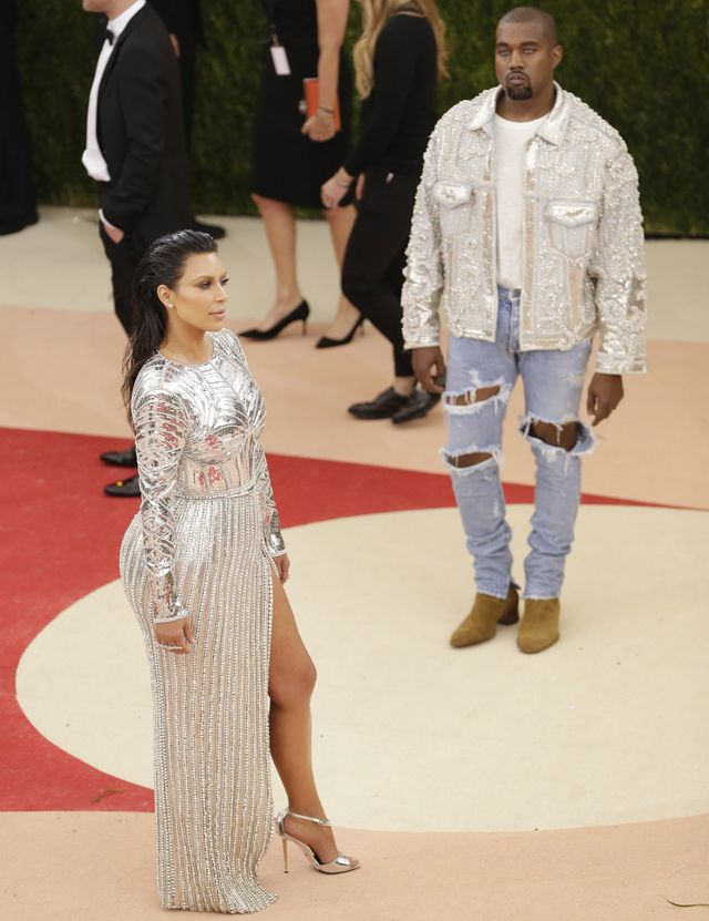 Kim Kardashian i Kanye West na gali MET - kto ma gorszy makijaż?
