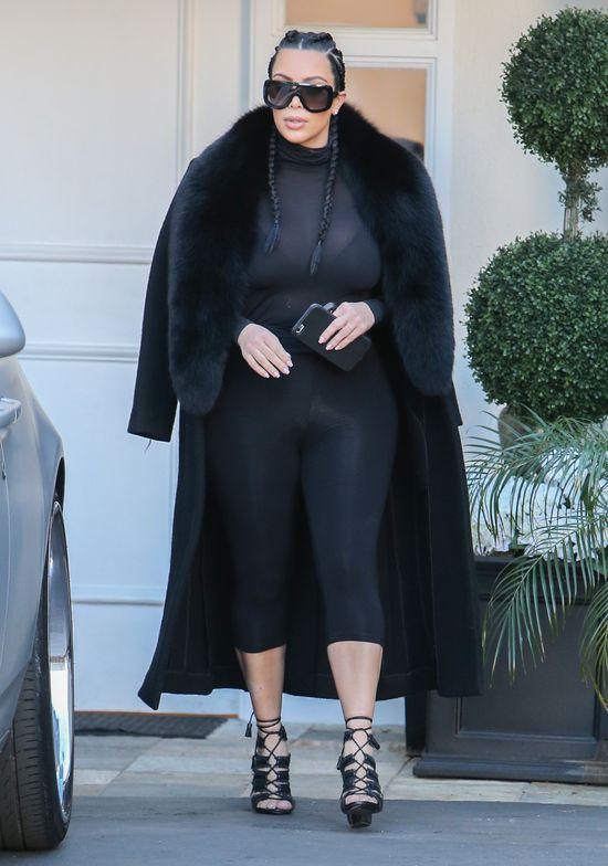 Kim Kardashian w TRZECIEJ ciąży? (FOTO)