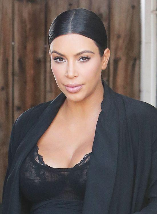 Kim Kardashian sporo ryzykuje (FOTO)