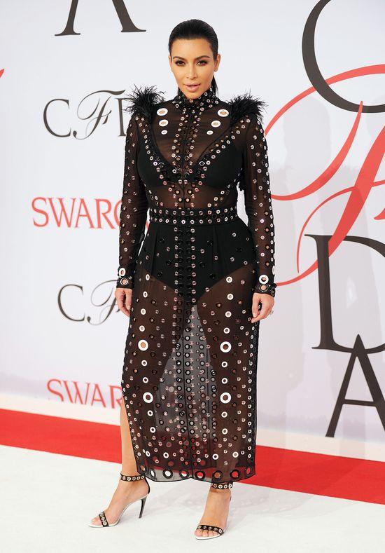 Kim Kardashian prze�y�a w tej sukience chwile grozy!