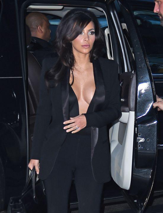 Hełm na głowie Kim Kardashian! (FOTO)