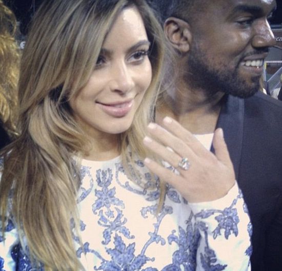 Kanye West oświadczył się Kim Kardashian! (FOTO)