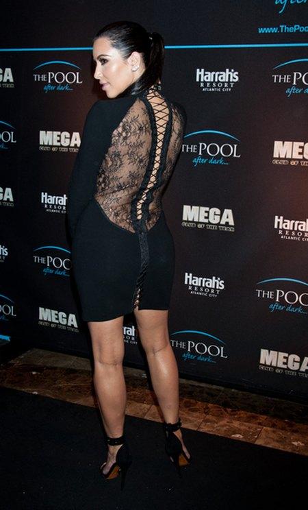 Kim Kardashian w czerni - widać zmianę stylu? (FOTO)