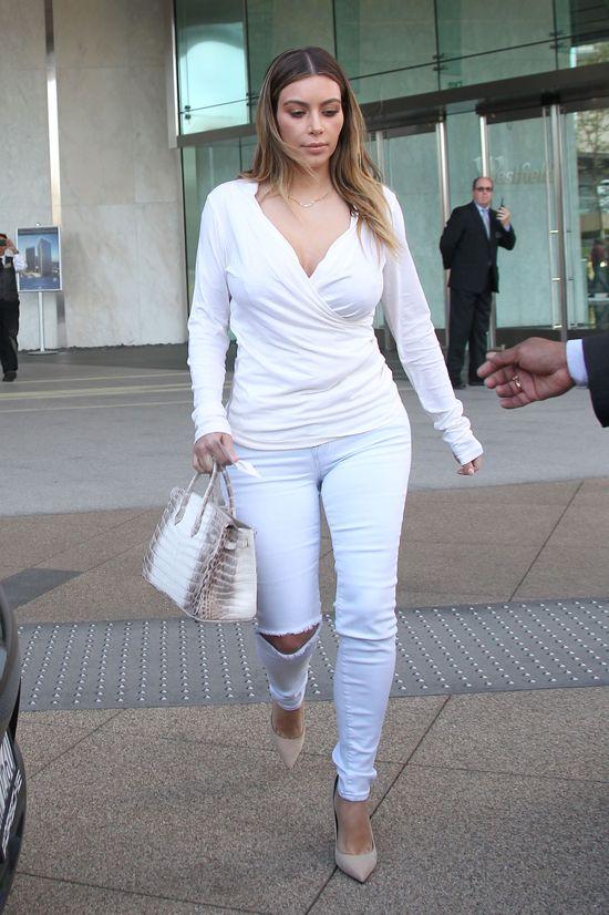 Pupa Kim Kardashian nie mie�ci si� w jeansy!