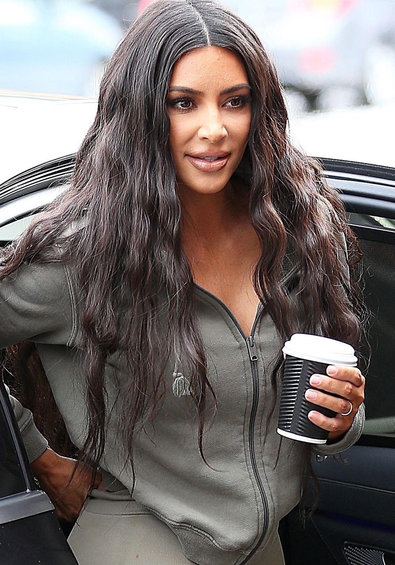 Kim Kardashian pochwaliła się piekielnie drogą ozdobą zrobioną na zamówienie