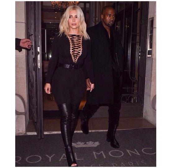 To dlatego Kim Kardashian przefarbowała włosy na blond?