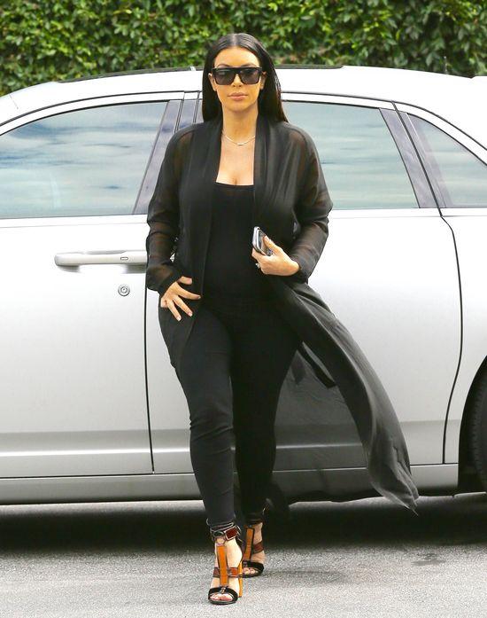 Figura Kim Kardashian w końcu staje się proporcjonalna?