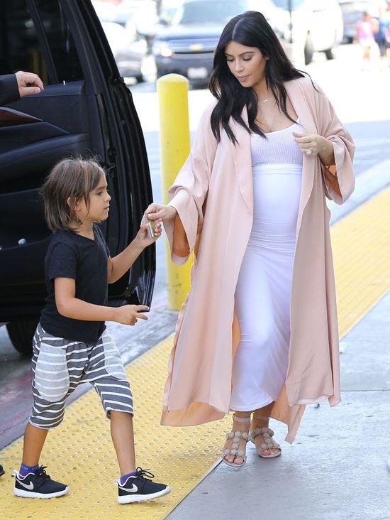 Kim Kardashian nudziła się na wakacjach (FOTO)