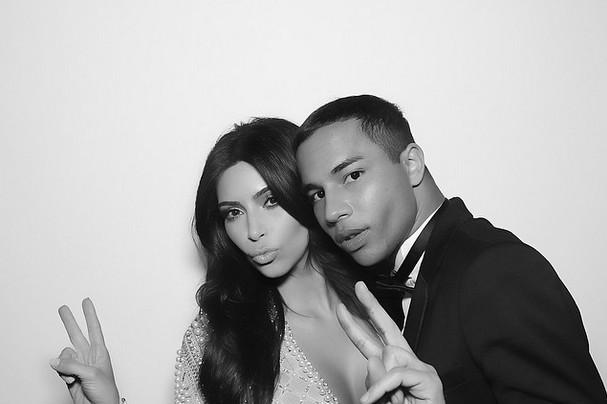 Tak wygl�da�a druga suknia Kim Kardashian? (FOTO)