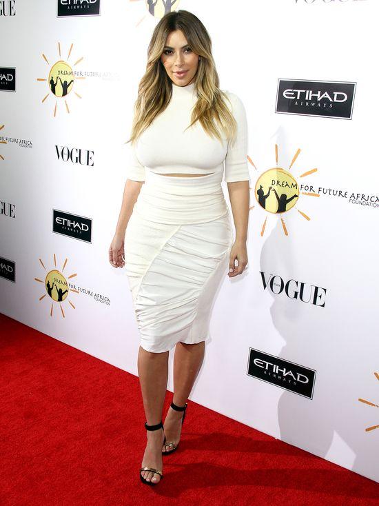 Kim Kardshian trzyma swoje stare ubrania dla Nori (FOTO)