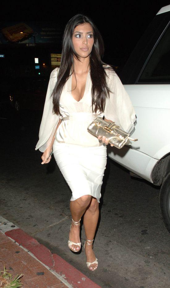 Tak wygl�da�aby Kim Kardashian, gdyby nie by�a s�awna (FOTO)