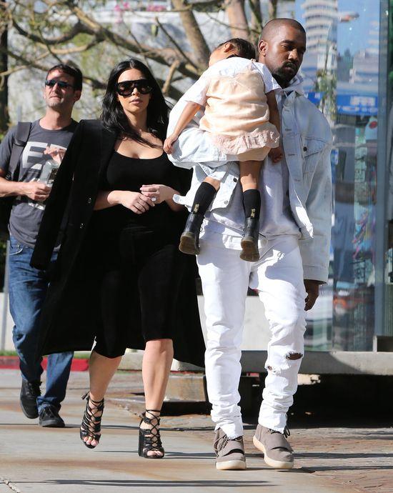 Rodzina Westów na ustawce z paparazzi (FOTO)