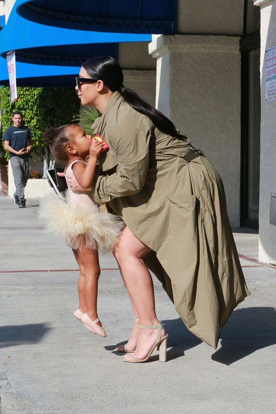 Kim Kardashian SZCZERZE o karmieniu piersią