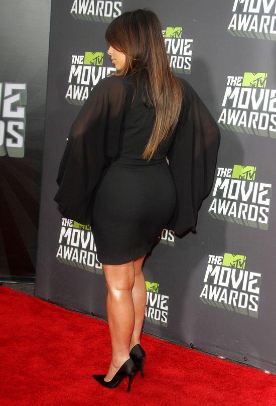 Kourtney konta Kim - która ubierała się lepiej w ciąży?