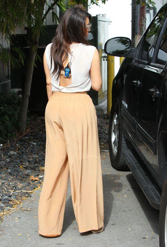 Kim Kardashian wstrzyknęła sobie w pupę tuszcz z nóg!