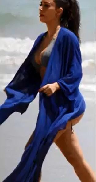 Kim Kardashian pozuje w bikini (FOTO)