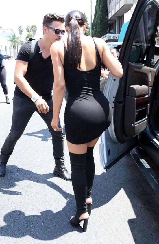 Kim Kardashian w 2017 roku urodzin TRZECIE DZIECKO!