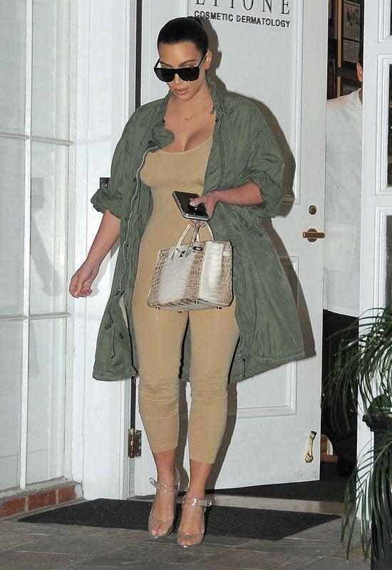 Stęskniłeś się za pupą Kim? Zapomnij o niej! (FOTO)