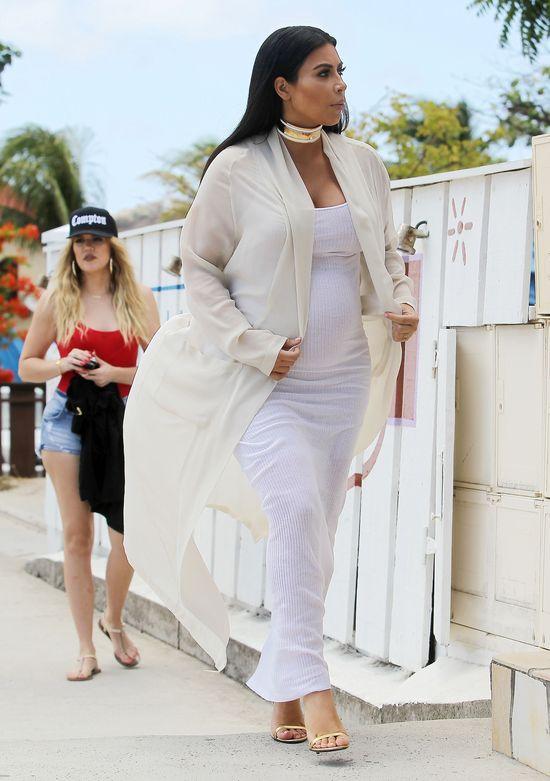 Rozstępy niszczą ciało Kim Kardashian (FOTO)