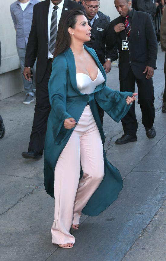 To kolejna kosmiczna stylizacja Kim Kardashian (FOTO)