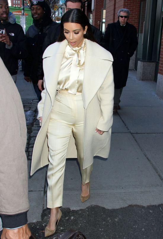 UPS! Kim Kardashian chciała być elegancka (FOTO)
