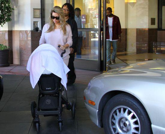 Kim Kardashian wraca do formy? (FOTO)