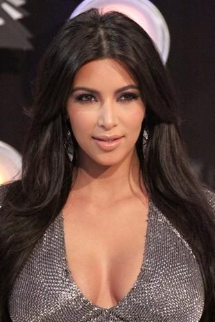 Kim Kardashian zafarbowała włosy (FOTO)