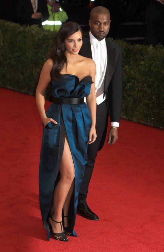 Kim Kardashian pokazała majtki na GALI MET! (FOTO)