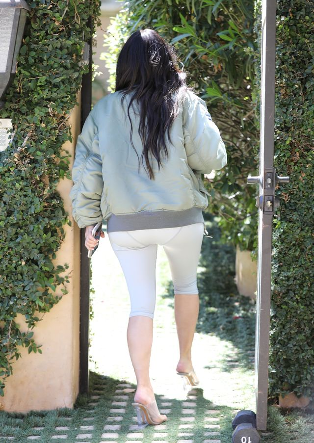 Pamiętacie koronkowe legginsy Kim Kardashian? Tym razem jest JESZCZE GORZEJ!