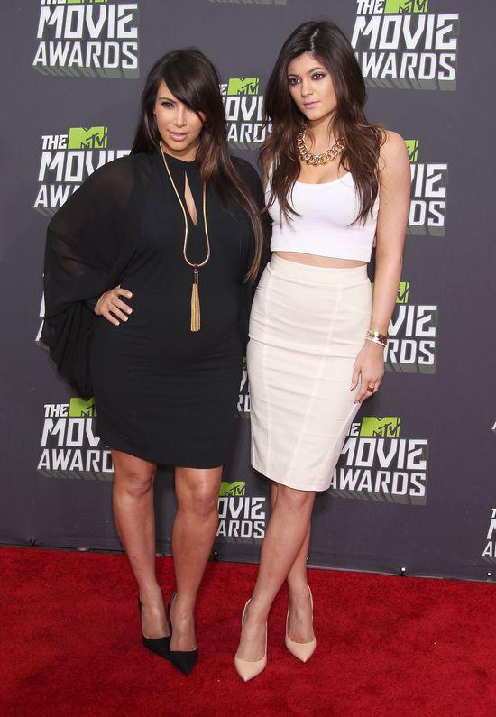 Kim Kardashian zdaradza, dlaczego zawsze dogadywała się z Kylie Jenner