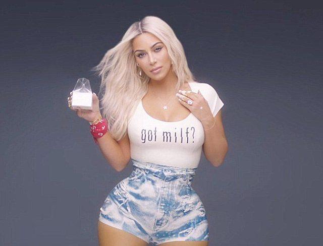 Kim Kardashian w końcu pokazała, co miała POD tą bluzką i szortami