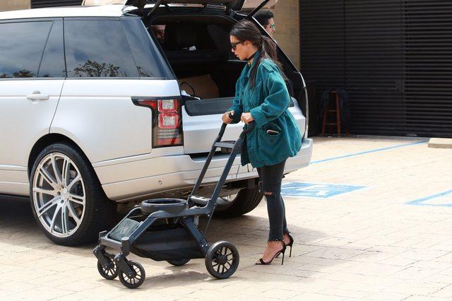Kim Kardashian nie miała czasu na stylizację? (FOTO)