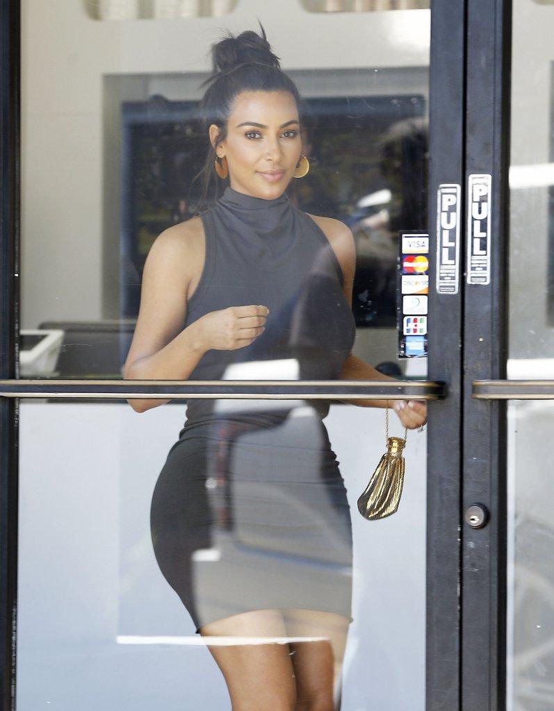 Nie sądziliśmy, że kiedyś to napiszemy: Kim Kardashian wygląda SUPER! (FOTO)