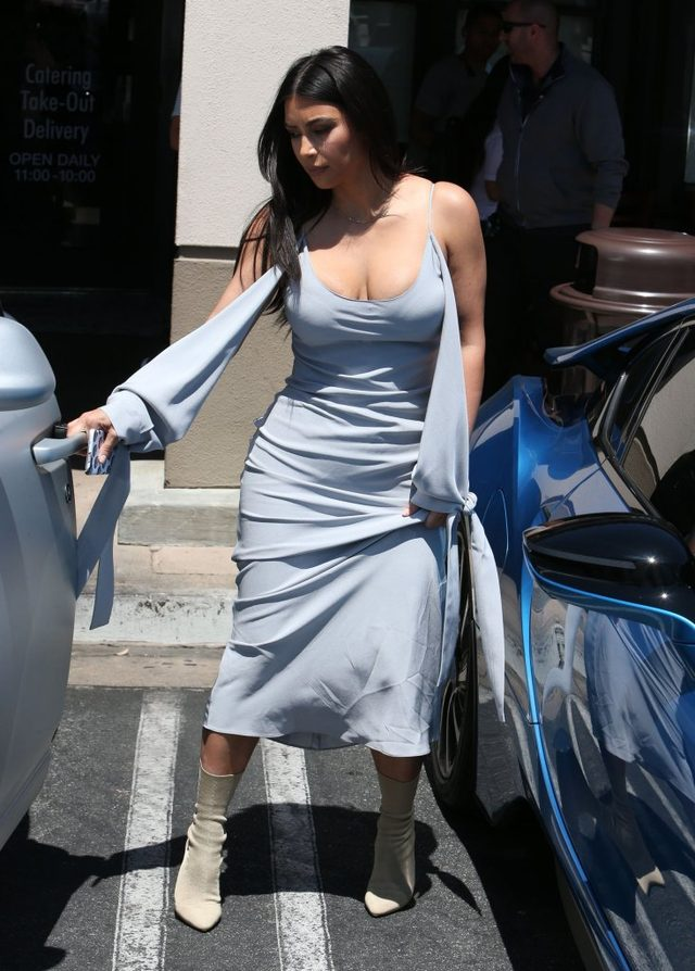 Kim Kardashian w kostiumie kąpielowym (Instagram)