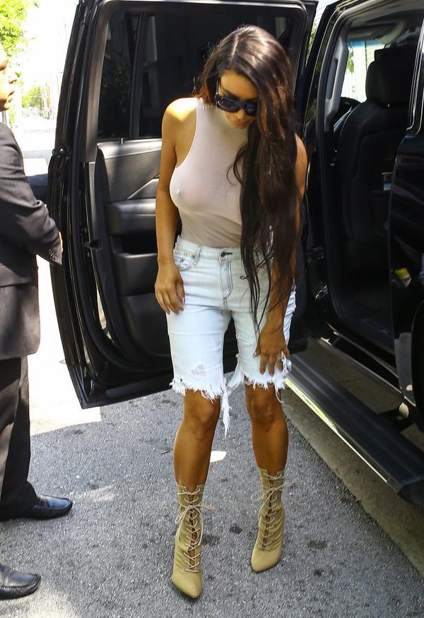 Mimo że Kim jest ubrana, ten news nadaje się od 18 lat (FOTO)