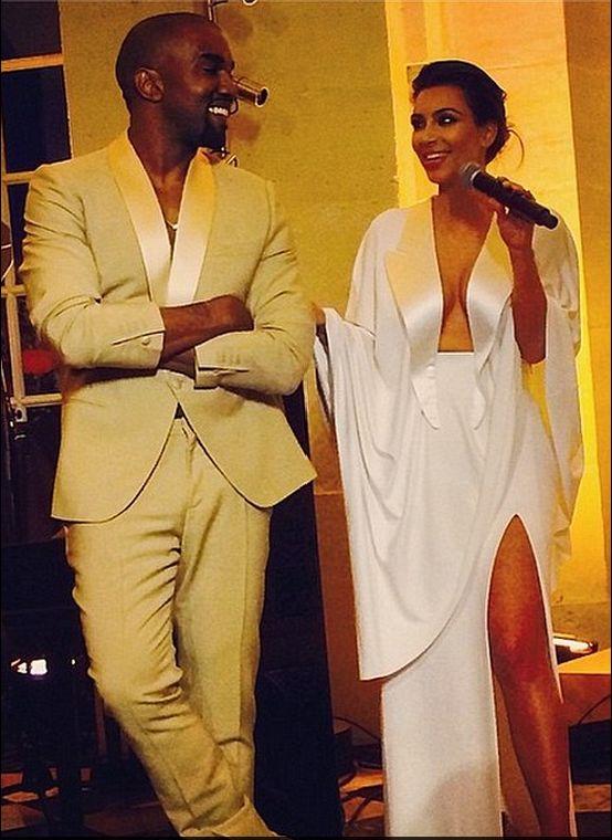Dlaczego nie brata Kim Kardashian na jej ślubnych zdjęciach?